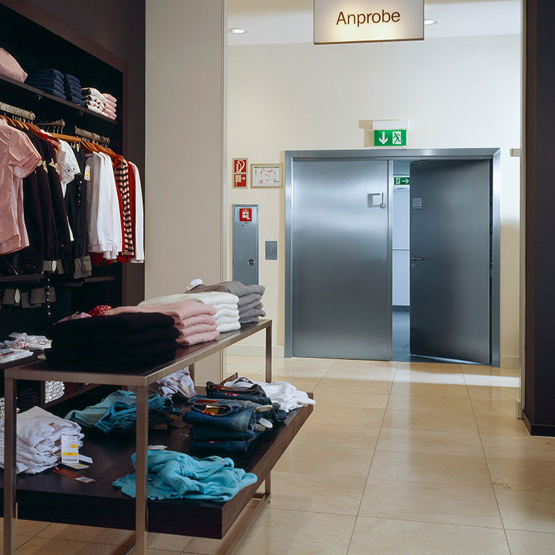 Stainless steel fire door in the retail sector