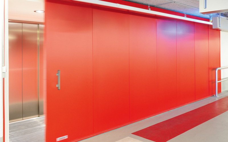 "Fire-resistant Steel Sliding Door T30-1-FSA ""Teckentrup 72 E"" In A Car Park"