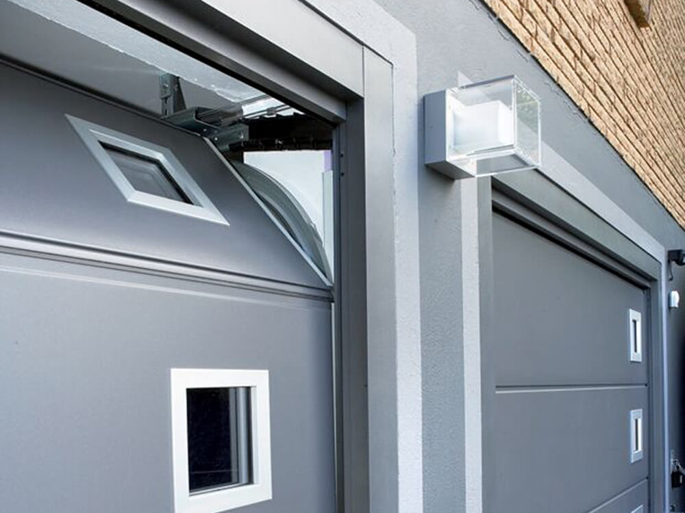 CarTeck Automatic Sectional Garage Door in Solid Design Window Grey Smooth with Square Type 1 Windows