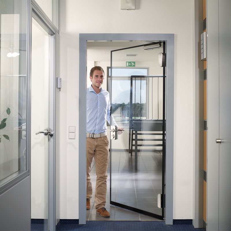 T30 All-Glass Single Fire Door With 30 Minute Fire Rating For Insulation And Integrity