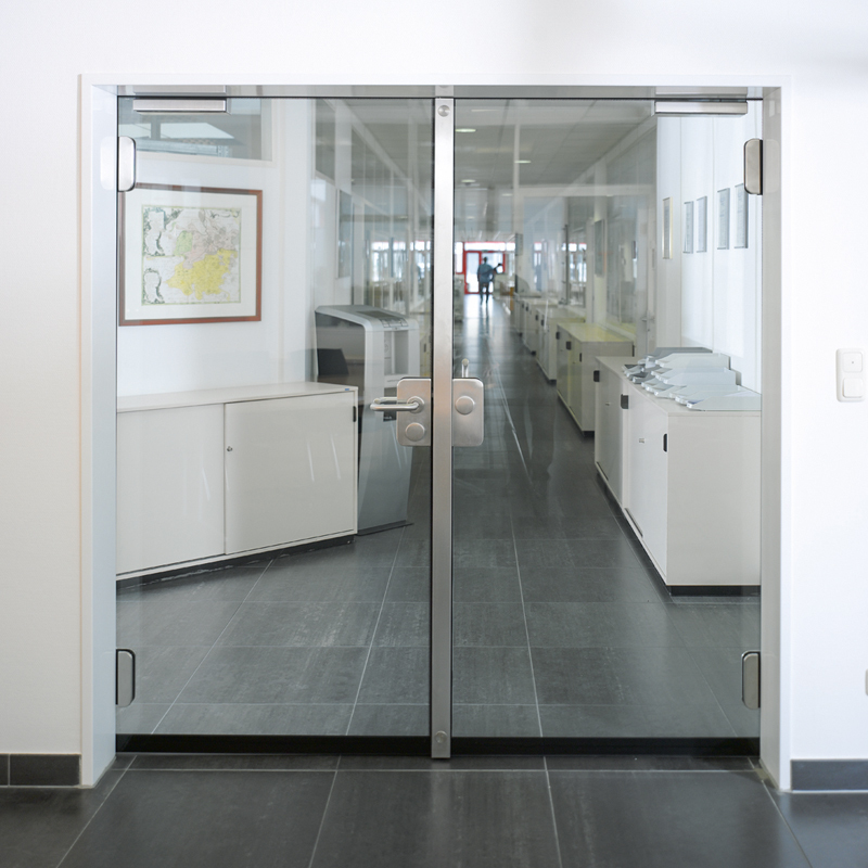 T30 All-Glass Double Fire Door With 30 Minute Fire Rating For Insulation And Integrity